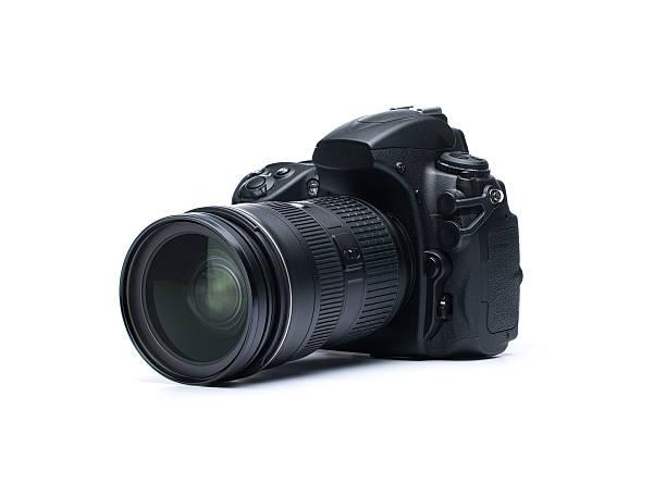 dslr camera on white background - telelens stockfoto's en -beelden