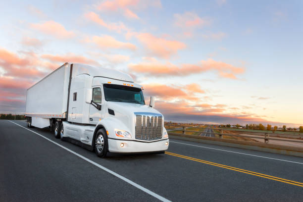 Camion sur la route stock photo