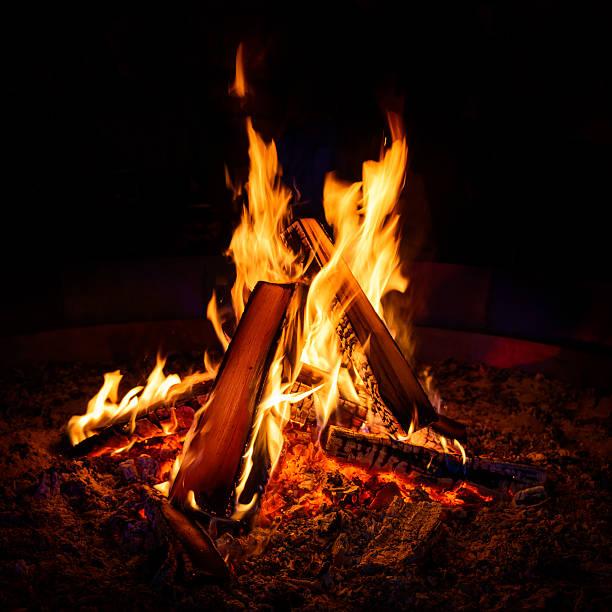 camp fire - falò foto e immagini stock
