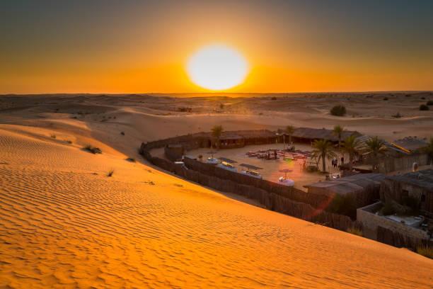 Camp in der Wüste, Dubai, Vereinigte Arabische Emirate – Foto