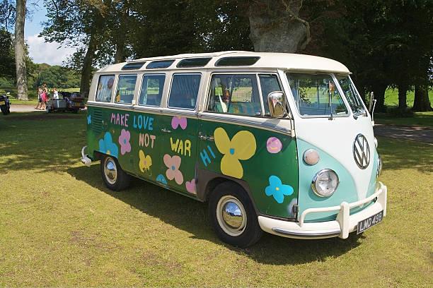 vw-campingbus van - hippie stock-fotos und bilder