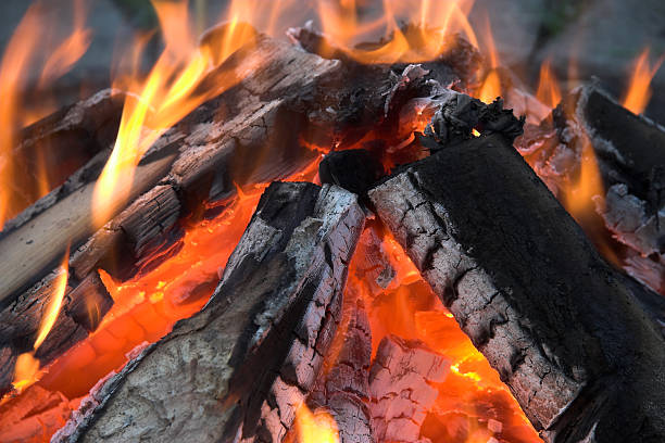 Campfire ablaze  ablaze stock pictures, royalty-free photos & images