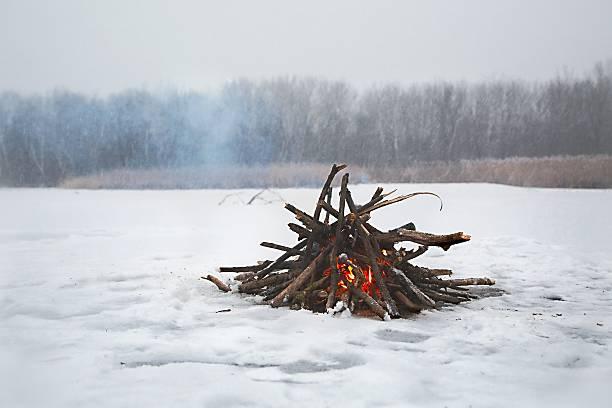 Campfire in winter picture id627472954?b=1&k=6&m=627472954&s=612x612&w=0&h=37ut9o0tbw2bm7g3lrfgakixiifypoz11zq67xkhqg8=