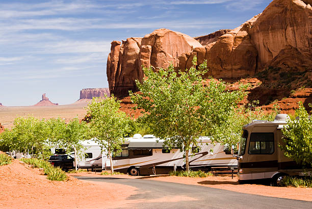 campingplatz im monument valley - colorado plateau stock-fotos und bilder
