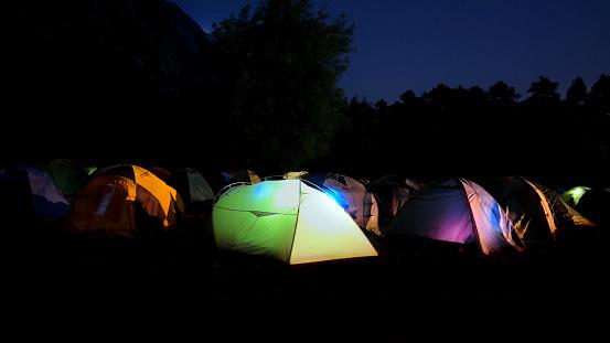밤에 캠핑 지역 0명에 대한 스톡 사진 및 기타 이미지