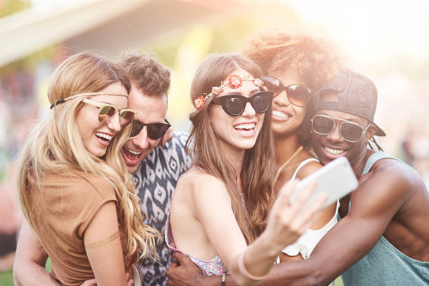 can we take a selfie first - viagem de primeira classe - fotografias e filmes do acervo