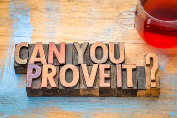 Kannst du es beweisen? Zusammenfassung der Wörter in Holzart. – Foto