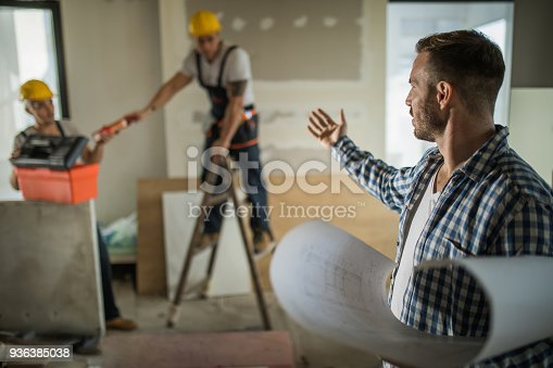 istock Can you stop working for a minute, I can't concentrate! 936385038