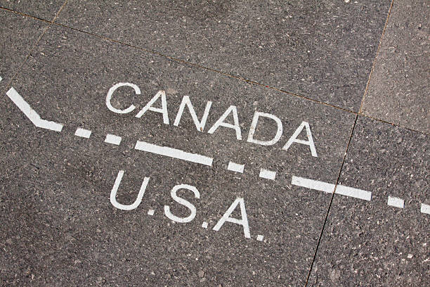 カナダおよび米国境界線 - 地理的境界 ストックフォトと画像