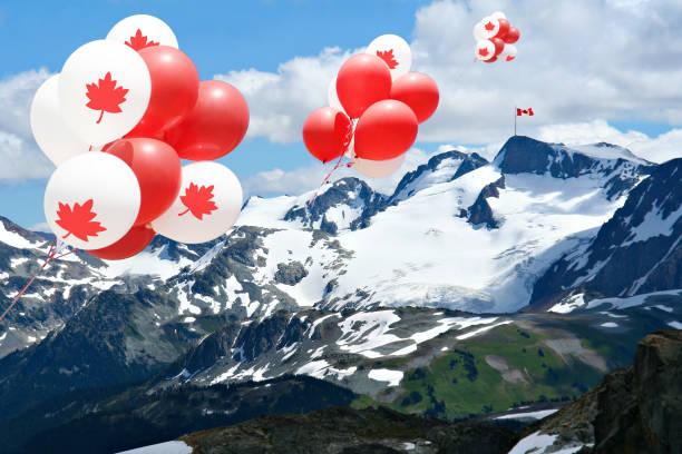 kanada tag ballons in den rocky mountains. - eis ballons stock-fotos und bilder