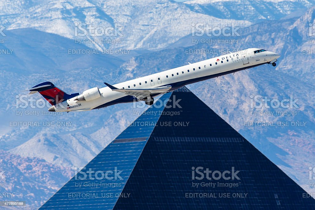 Canadair Regional Jet Delta Connection approaches JFK Airport stock photo