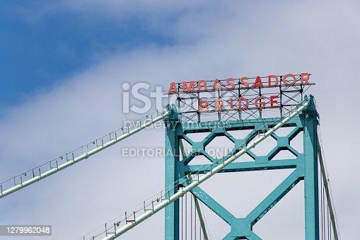 istock Canada-US Border Crossing Ambassador Bridge Sign 1279962048