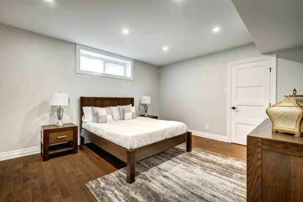 casa canadiense en beaconsfield, montreal, quebec, canadá - basement fotografías e imágenes de stock