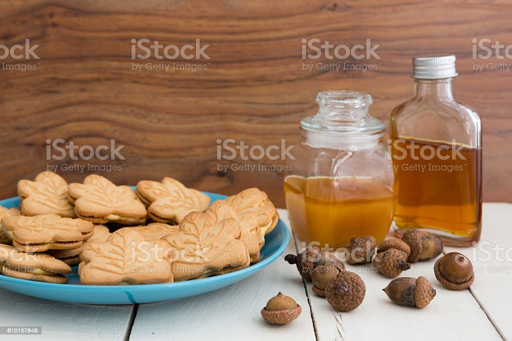 Canadian Maple Cream Cookies With Honey Maple Syrup And