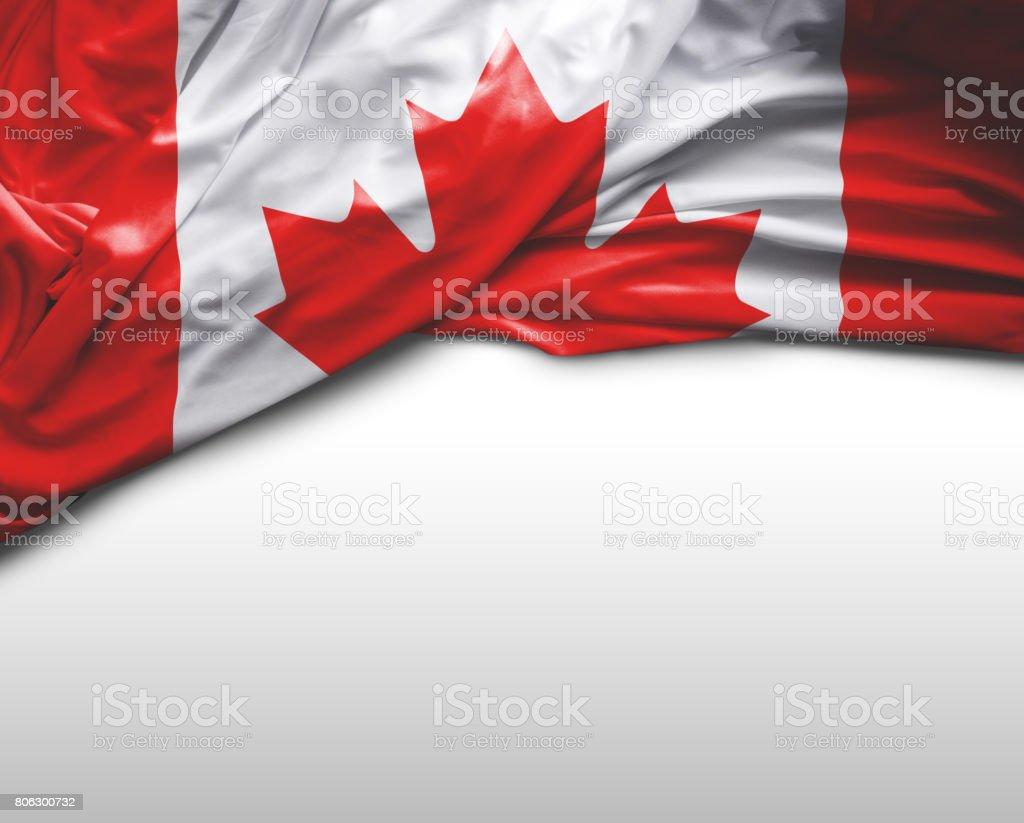 Acenando a Bandeira Canadense - foto de acervo