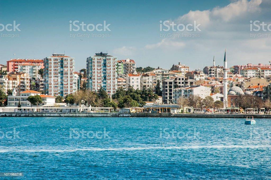 Vue sur la ville de Canakkale de mer, Turquie - Photo