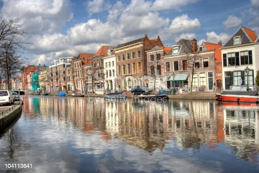 foto de canal em leiden holanda e mais banco de imagens de antigo istock. Black Bedroom Furniture Sets. Home Design Ideas