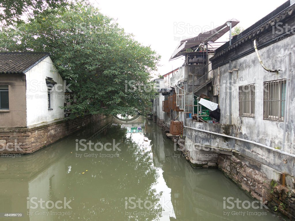 Canal en el watertown ciudad de Suzhou, China - foto de stock