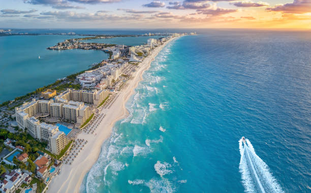 Cancun beach with boat picture id956105474?b=1&k=6&m=956105474&s=612x612&w=0&h=ncrxgbid4odahqgu90zfyi0vwzkwceqhd1c1yx06bik=