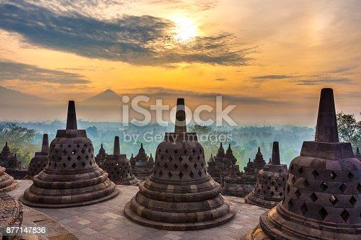 istock Candi Borobudur, Yogyakarta, Jawa, Indonesia. 877147836