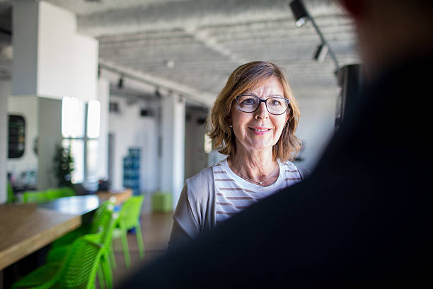 Candid portrait of a woman at the office – Foto