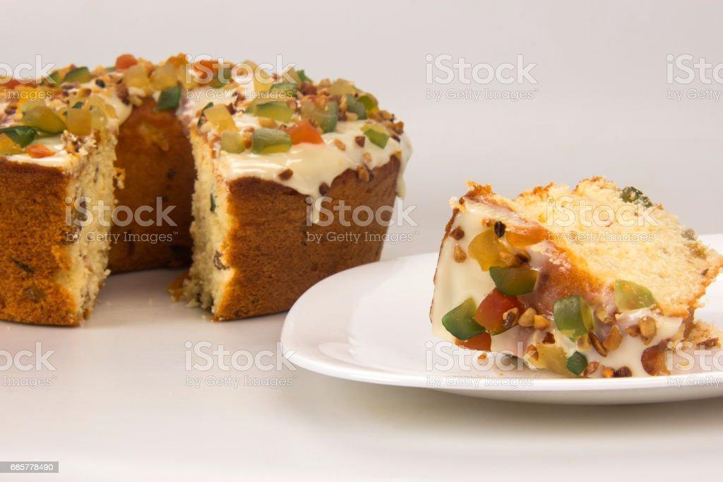 Gâteau aux fruits confits. Dessert traditionnel lors des fêtes. photo libre de droits