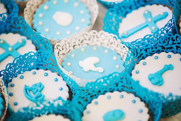 süßigkeiten für ein baby-dusche - geschenk zur taufe stock-fotos und bilder