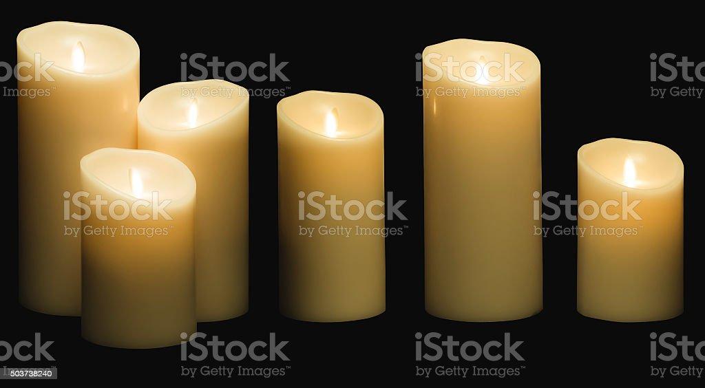 A lume di candela couverture con candele luci cera bianco isolato