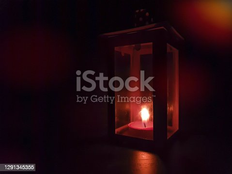 istock Candle res light 1291345355