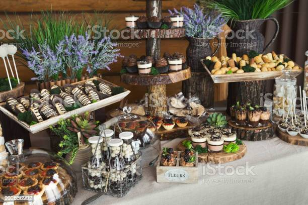 Candy Bar For Birthday Party Or Wedding - Fotografias de stock e mais imagens de Aniversário