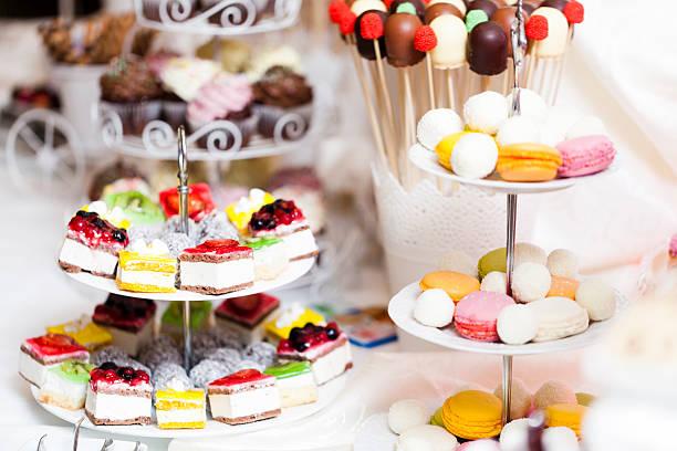 candy bar - lutscher cookies stock-fotos und bilder