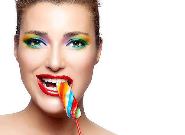 candy mädchen - regenbogen make up stock-fotos und bilder