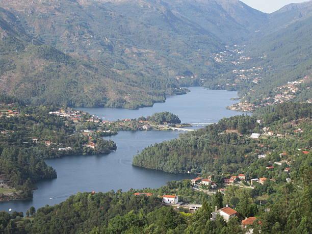 canicada dam - fotos de barragem portugal imagens e fotografias de stock