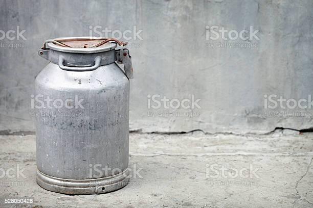 Kanister Stockfoto und mehr Bilder von Milchkrug