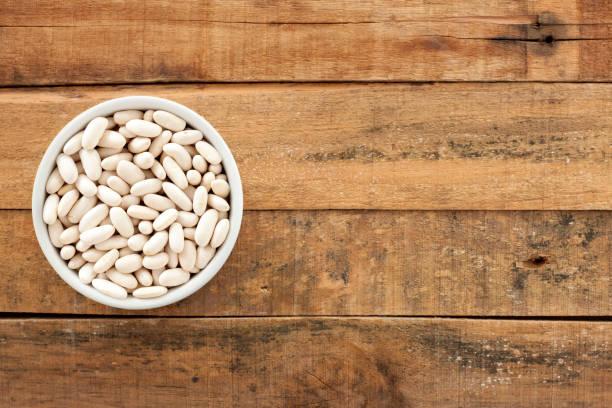 cannellini beans - fagioli cannellini foto e immagini stock