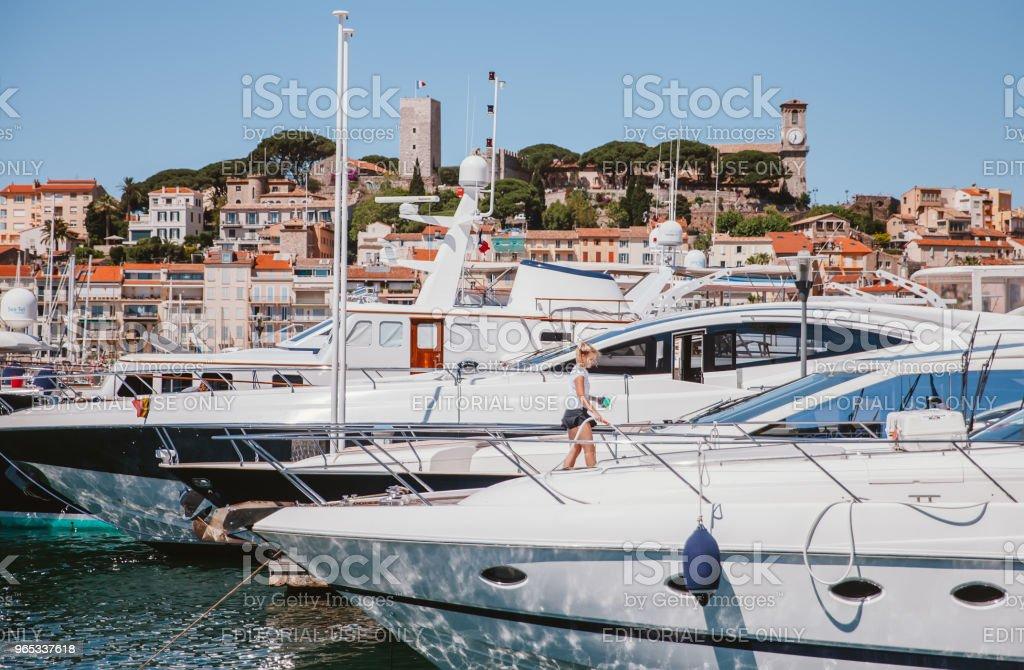 戛納港 - 免版稅一個人圖庫照片