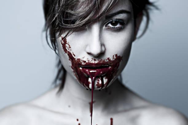 cannibal fille 4 - vampire femme photos et images de collection