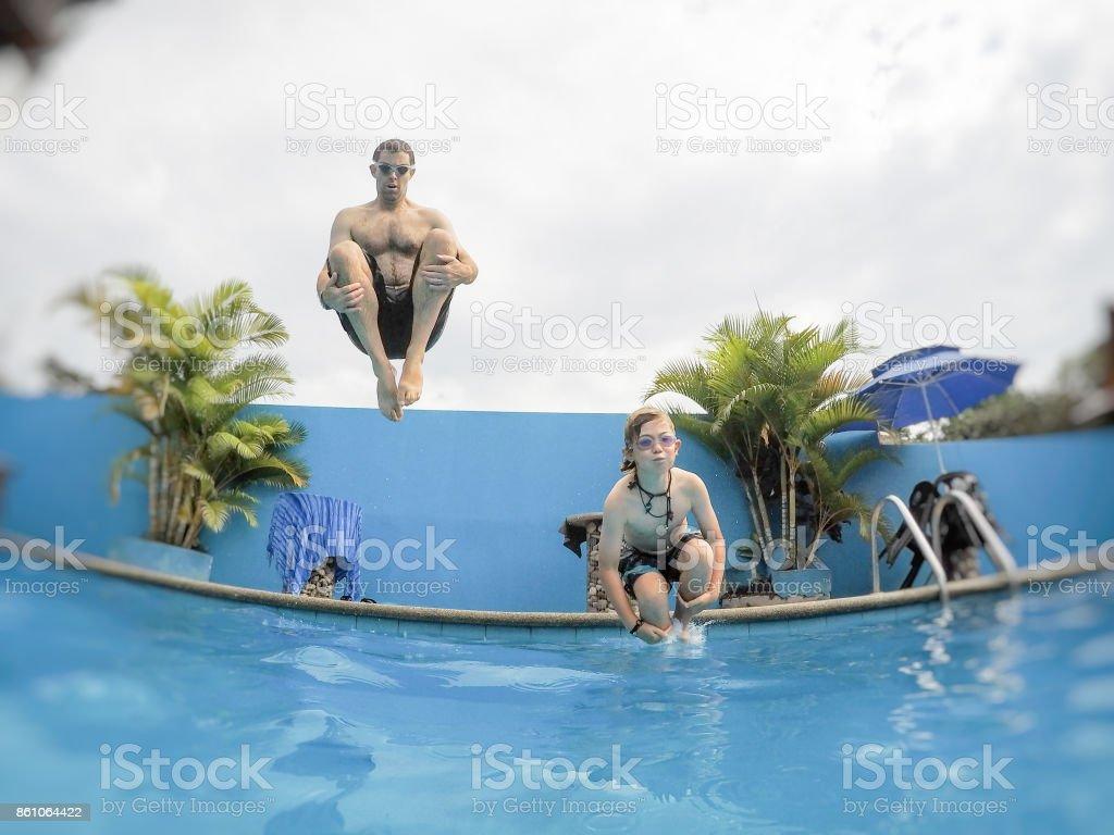Kanonenkugel Kind und Papa – Foto