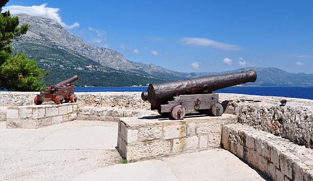 Kanonen im mittelalterlichen Festung Korcula Stadt, Korcula, Kroatien, Europa. – Foto