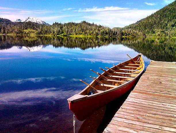 Canoe Getaway in the Yukon Canoe dockside in the Alaskan frontier ketchikan stock pictures, royalty-free photos & images