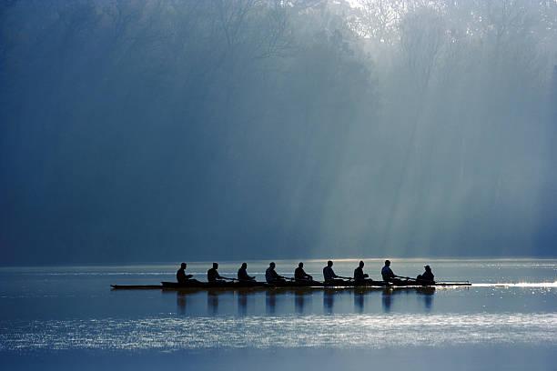 équipe de canoë - équipe sportive photos et images de collection