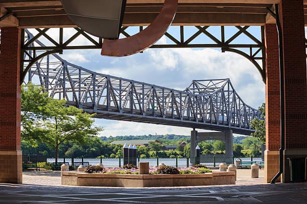 Cantilever bridge crossing the Illinois River stock photo