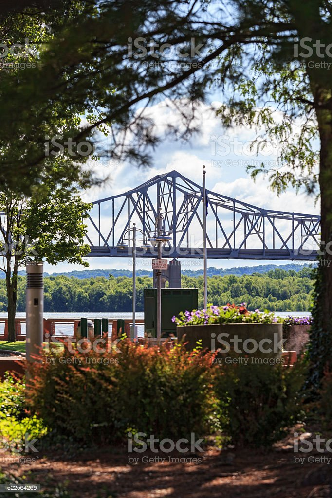 Cantilever bridge crossing the Illinois River stock photo