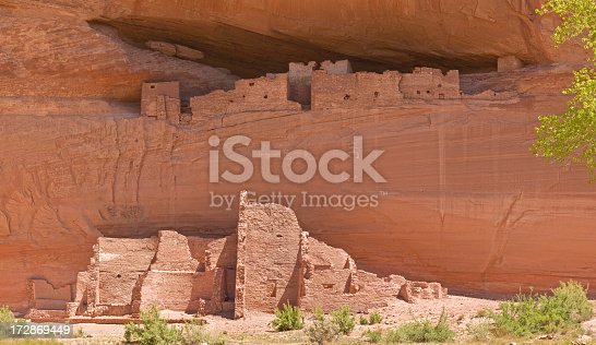 The 'White House' is the largest of the Anasazi cliff dwelling ruins in Canyon De Chelly.