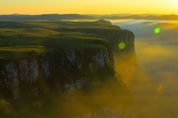 vale de cânion fortaleza, pôr-do-sol esplêndido, rio grande do sul, brasil - rio grande do sul - fotografias e filmes do acervo