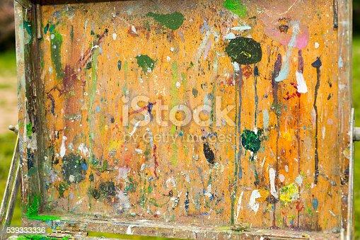 504223972istockphoto Cap of a painter's sketchbook 539333336