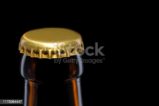 istock cap of beer bottle 1173084447