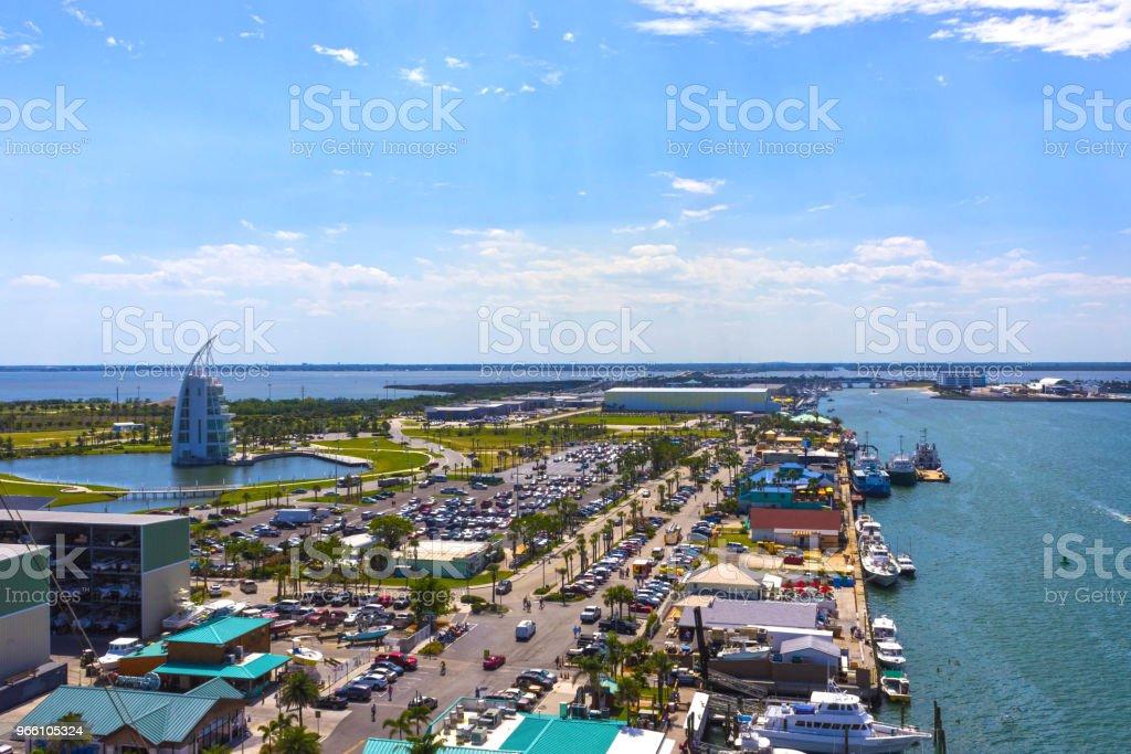 Cape Canaveral, USA. Die arial Ansicht von Port Canaveral vom Kreuzfahrtschiff - Lizenzfrei Anlegestelle Stock-Foto