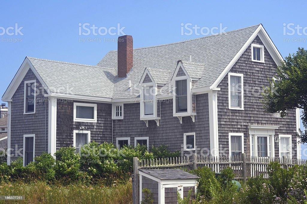 Cape Cod House - Photo