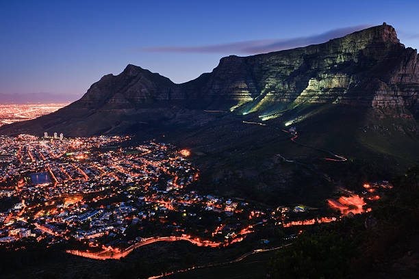 cape town by night - table mountain south africa stock pictures, royalty-free photos & images